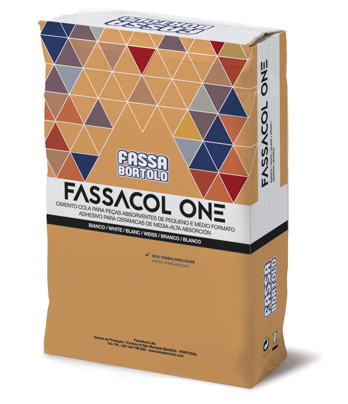 FASSACOL ONE: Cimento cola branco ou cinza para colar cerâmica absorvente sobre pavimentos e revestimentos em interior